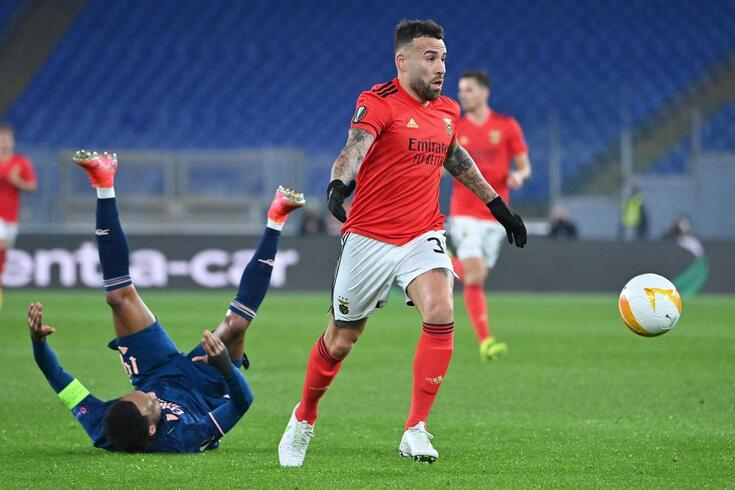Otamendi, defesa-central do Benfica