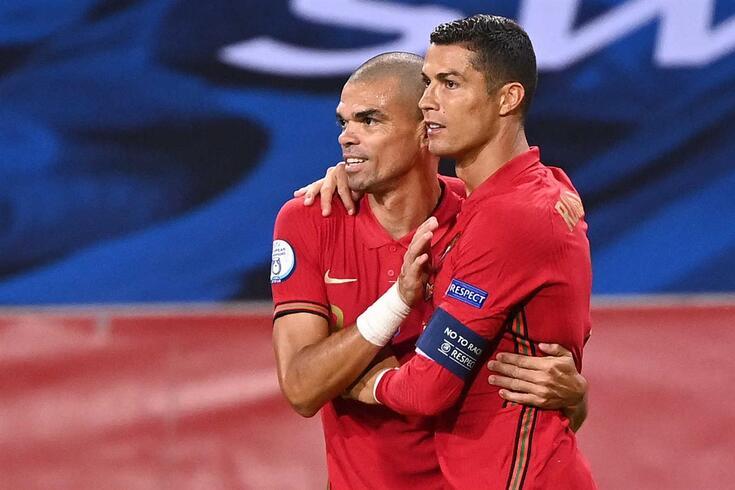 Pepe e Cristiano Ronaldo, dois dos mais experientes da Seleção