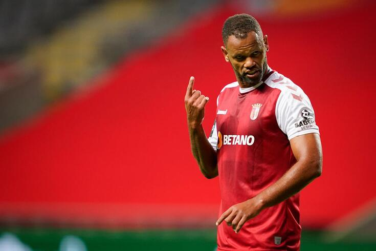 Rolando tem mais um ano de contrato com o Braga