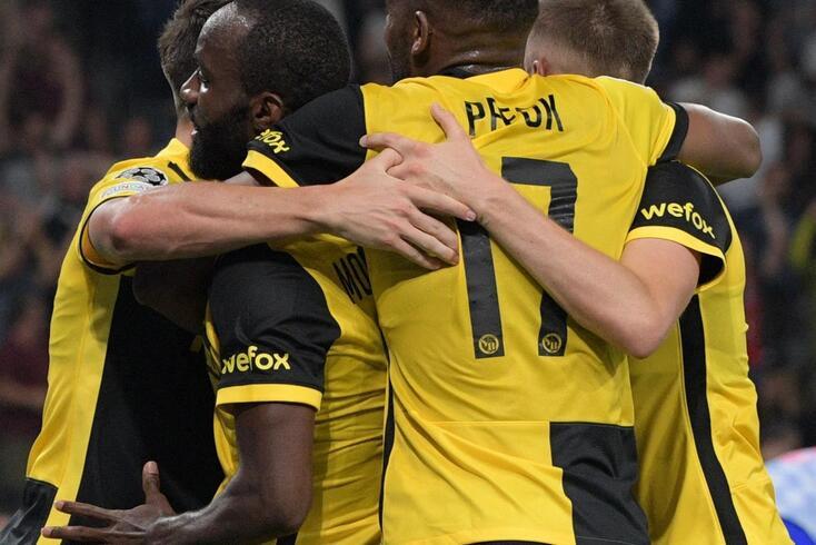 Ngamaleu deixa tudo igual no Young Boys-Manchester United. Veja o golo