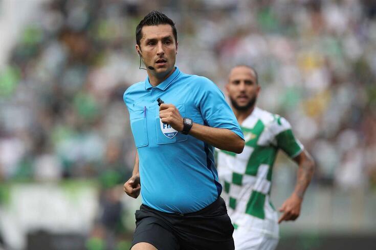 Tiago Martins vai dirigir o FC Porto-Farense