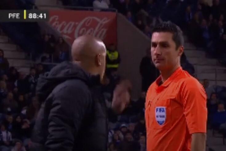 Pepa não controlou os nervos no Dragão e foi expulso por Tiago Martins