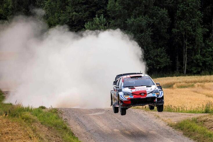 Kalle Rovanpera (Toyota Yaris) mais perto de fazer história