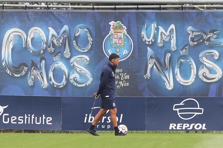 Sérgio Conceição prepara o jogo com o Sintrense