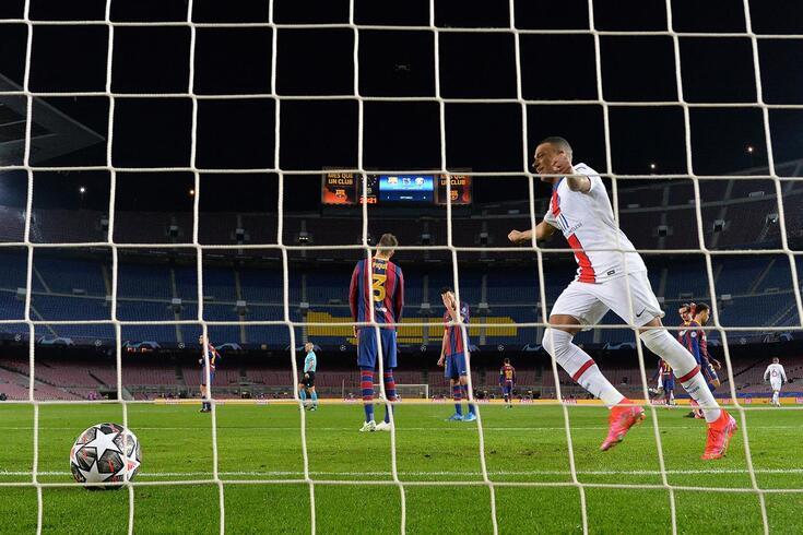 Mbappé marcou três golos em Camp Nou