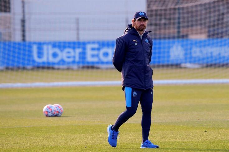 Villas-Boas abordou a morte do ex-jogador argentino e do ex-dirigente do FC Porto