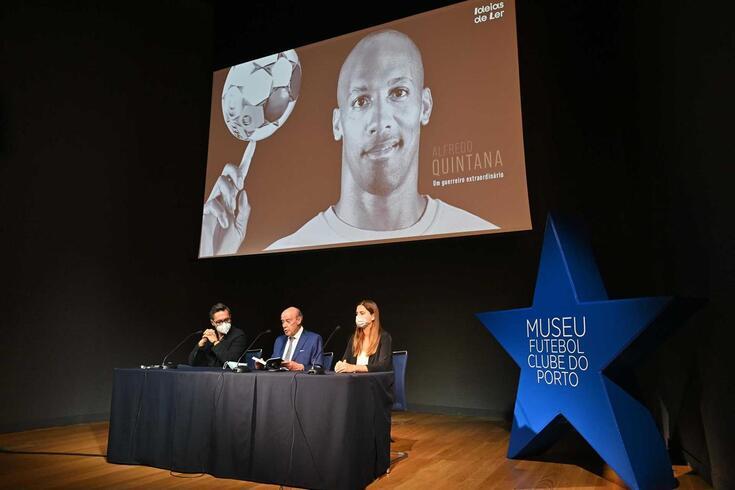 """Presidente do FC Porto esteve na apresentação do livro """"Alfredo Quintana. Um guerreiro extraordinário"""""""