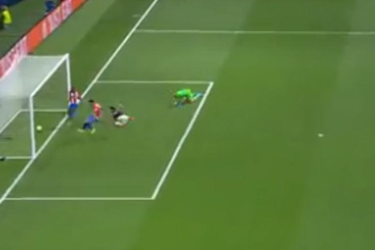 O lance do golo anulado a Taremi no Atlético de Madrid-FC Porto