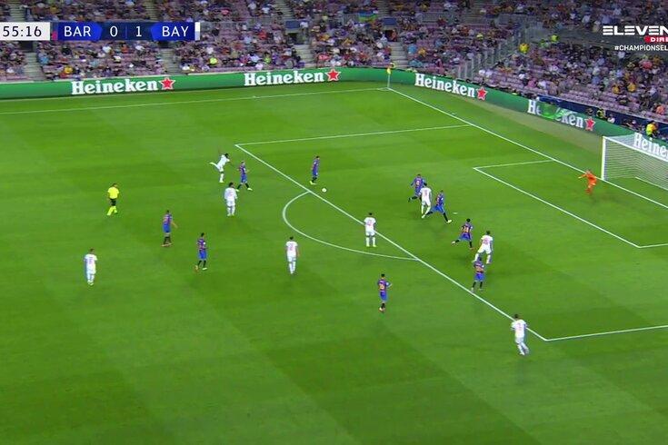 Lewandowski marca no Barcelona-Bayern. Veja o golo
