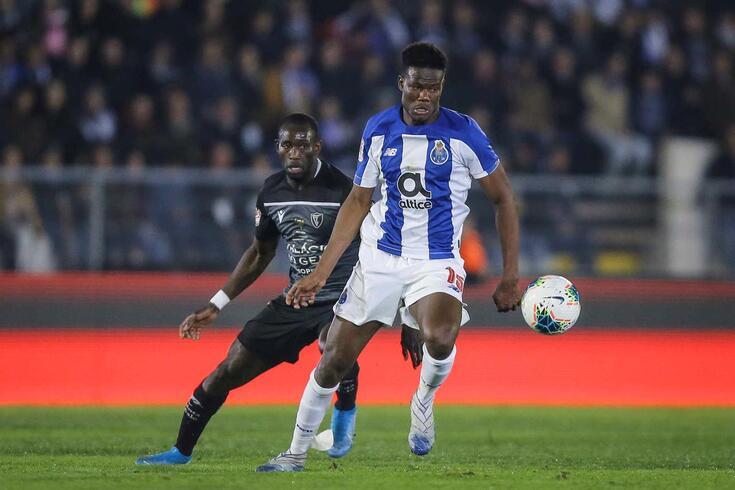 Loum, médio do FC Porto