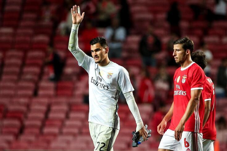Benfica anuncia saída de Zlobin para o Famalicão