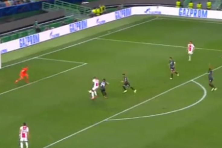Haller vira terror do Sporting: 5-1 para o Ajax e póquer do avançado