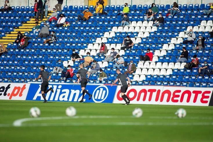 Espetadores estão autorizados, mediante regras da DGS, a acederem a recintos desportivos
