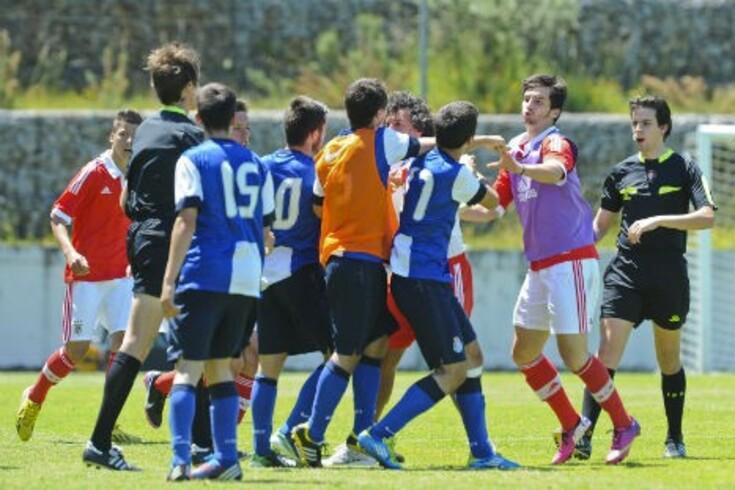 FPF vai averiguar incidentes no final do FC Porto-Benfica