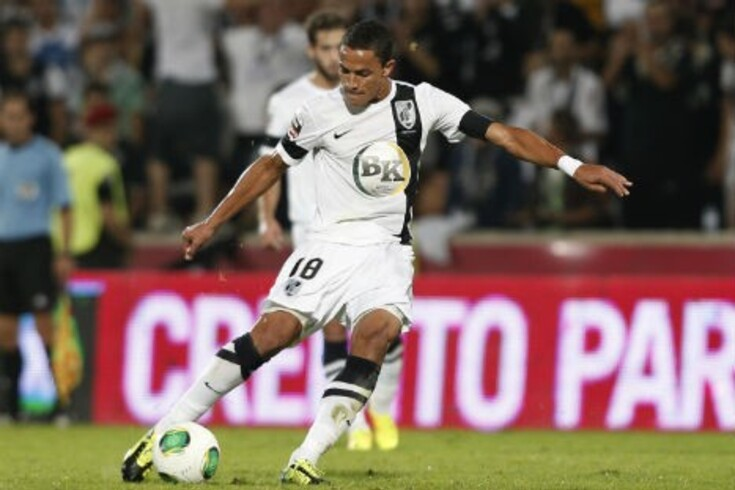 Leonel Olímpio vai renovar contrato até 2016