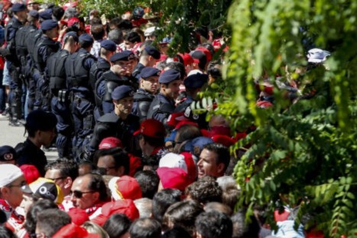 Confusão à entrada da porta da maratona no Jamor