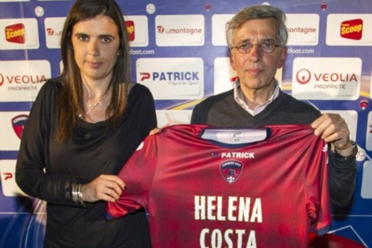 Helena Costa arrasa o diretor desportivo