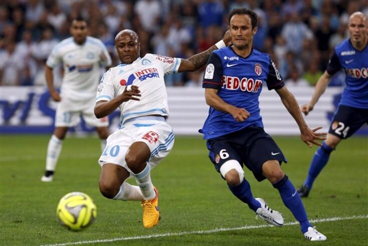 Ricardo Carvalho com Ayew no Marselha-Mónaco
