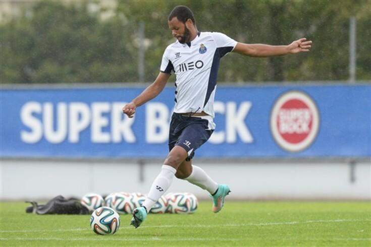 Rolando fora da rota do Trabzonspor