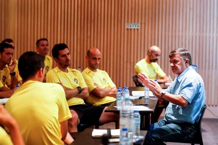 """CA reuniu árbitros, José Manuel Meirim participou: """"Tolerância zero para entradas perigosas"""""""