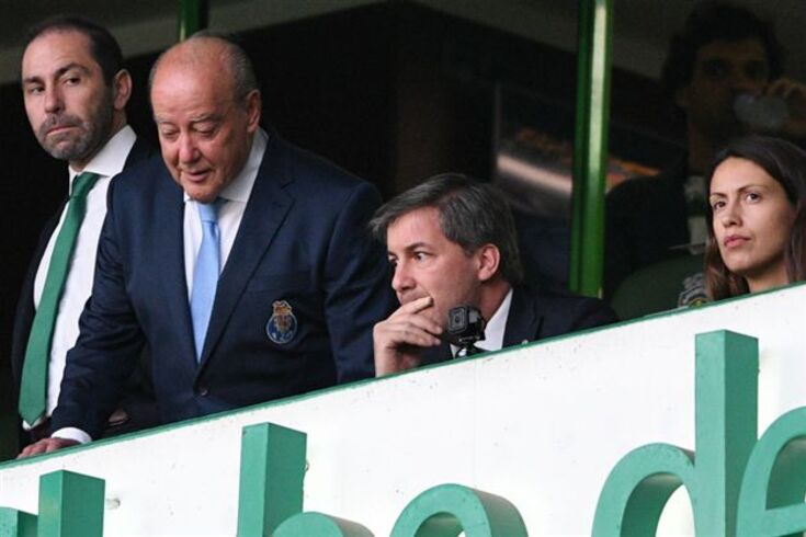 Bruno de Carvalho e Pinto da Costa lado a lado em Alvalade