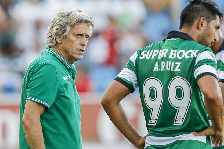 Jorge Jesus perdeu a paciência com Alan Ruiz