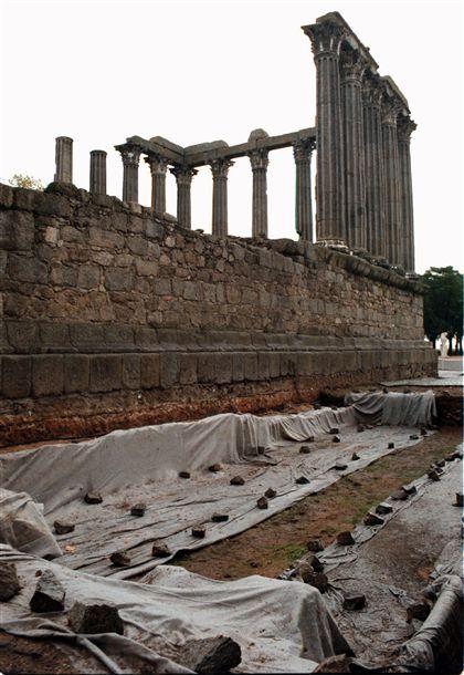 Arqueólogos contestam reestruturação da tutela