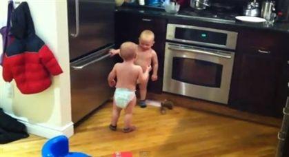 Vídeo de conversa de bebés gémeos faz furor no YouTube