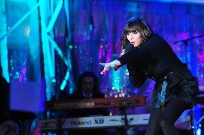 Sandra Pereira em palco nos Ídolos