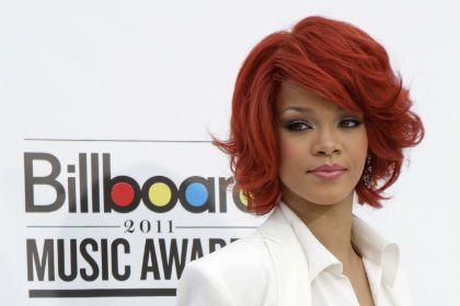 Censurado beijo de Rihanna e Britney Spears (VÍDEO)