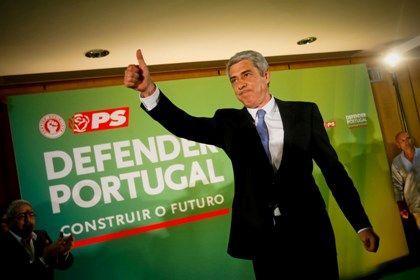 José Sócrates durante o discurso após as eleições, onde anunciou o abondono do cargo de secretário geral do Partido Socialista