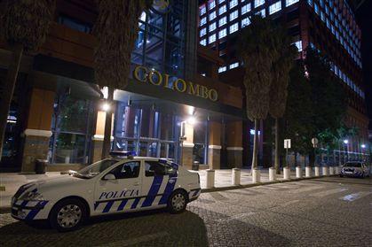 A polícia esteve no Centro Comercial Colombo até de madrugada.