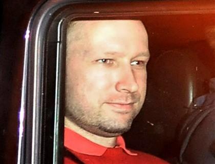 Breivik exige demissão do Governo em troca de declaração