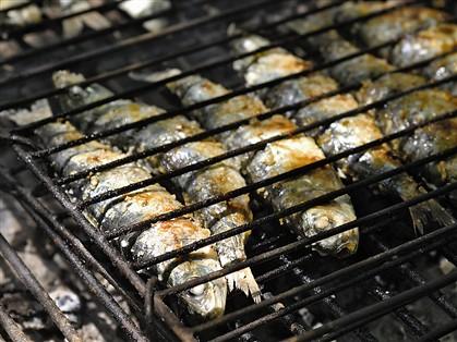 A sardinha assada é o único prato de peixe neste ranking provisório