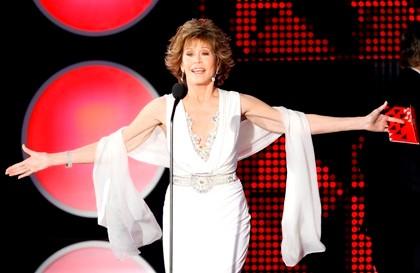 A actriz continua com uma forma física invejável, apesar dos seus 73 anos.