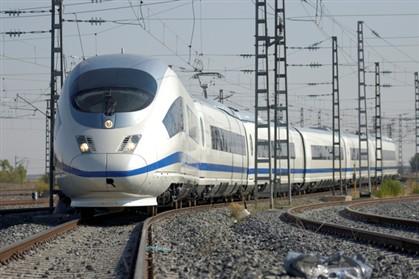 """TGV: PS quer explicações sobre """"ziguezagues"""" do Governo"""