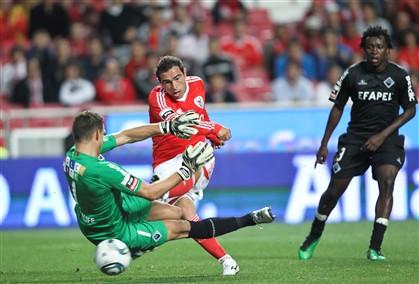 Benfica vence Académica na Luz (4-1)
