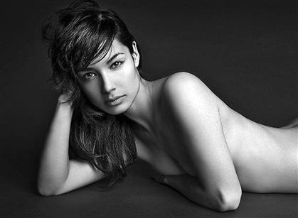 Beldade francesa vai seduzir James Bond