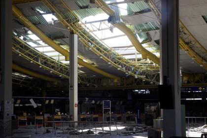 Destruição do tecto do Aeroporto de Faro.