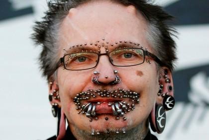 Alemão entra para o Guinness com 453 piercings