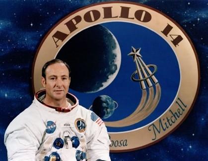 Astronauta tem de devolver à NASA câmara usada na Apolo