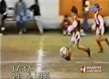 Vídeo mostra habilidades de Messi com cinco anos