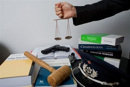 Polícias querem aumentos salariais e penas agravadas
