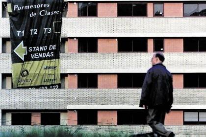 140 mil famílias deixaram de pagar casa aos bancos