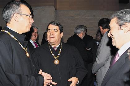 Advogados querem expulsar deputados, padres e jornalistas