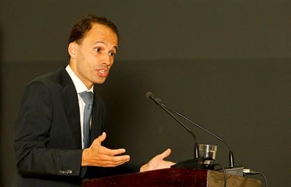 O ministro quer mais rigor na atribuição do RSI