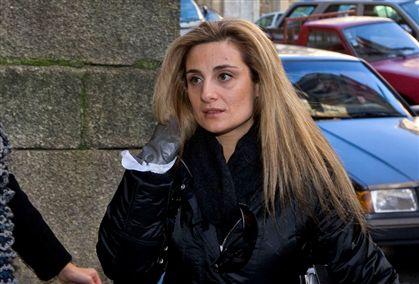 Carolina Salgado à entrada do tribunal de São João Novo, no Porto, onde fora condenada em primeira instância
