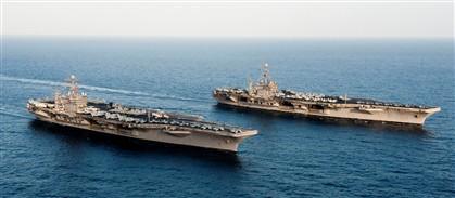 Dois porta-aviões americanos já estão na zona