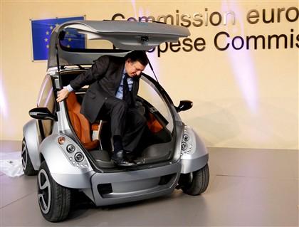 Barroso lança carro dobrável elétrico