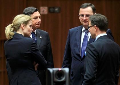 Crise financeira Zona Euro (2) - Página 3 Ng1801830